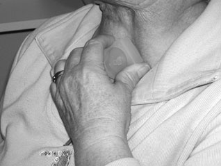 patient-met-drukmeter-in-tracheostoma_zww